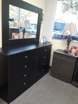 All new black 8 drawer dresser with mirror for Sale in Compton, CA