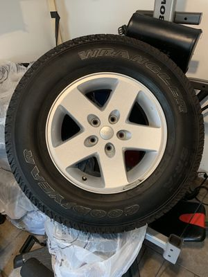 "17"" JEEP WHEELS ( ORIGINAL) for Sale in Jersey City, NJ"