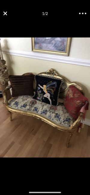 Antique Sofia with two chairs for Sale in Fort Lauderdale, FL
