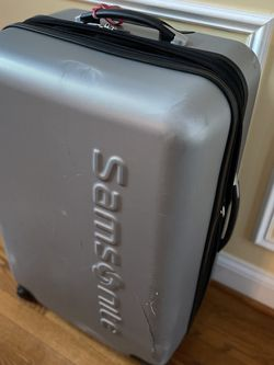 Samsonite Hard Shell 4 Wheel Spinner Luggage Bag for Sale in Fairfax,  VA
