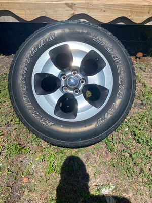 5 Jeep Wrangler wheels and tires for Sale in Clearwater, FL