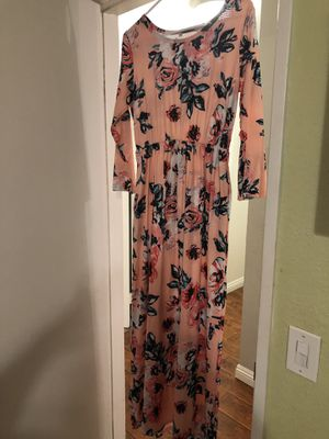 Floral blush maxi dress for Sale in Rancho Cucamonga, CA
