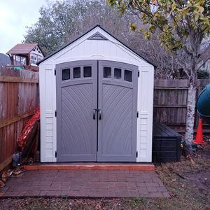 Suncast 7x10 Shed Resin - Great Condition for Sale in Randolph Air Force Base, TX