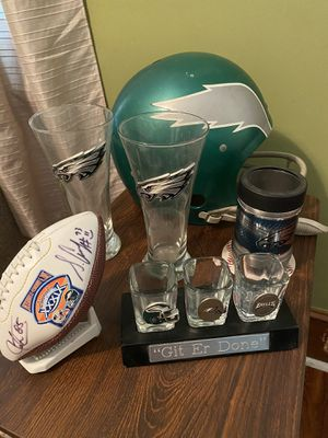 Philadelphia Eagles sports memorabilia - autographed ball for Sale in Morrisville, PA