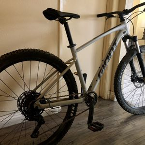 2021 Giant Talon 2 for Sale in Montclair, CA