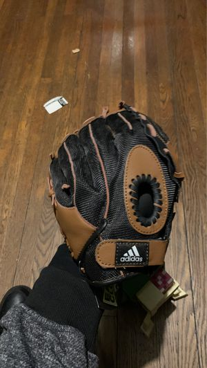 """Adidas Baseball glove 12"""" youth for Sale in Hartford, CT"""