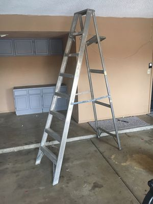 8ft ladder for Sale in Avondale, AZ
