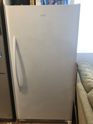 Frigidaire Freezer for Sale in Los Angeles, CA