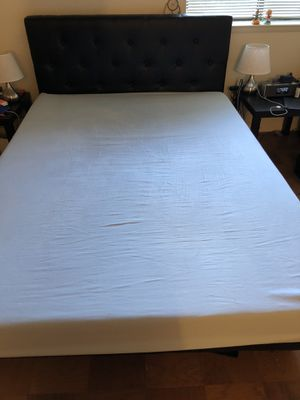 Selling Queen Size bed frame and mattress in good condition! for Sale in Rockville, MD