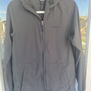 Patagonia Womens Small Black/charcoal Stretch Terre Planing Hoody for Sale in San Diego, CA