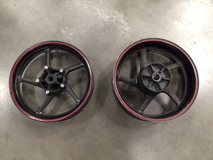 Yamaha YZFR1 R1 FZ1 Front & Rear Motorcycle Wheels Rims for Sale in Fontana, CA