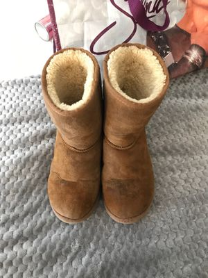 chestnut UGGS size 4 women's for Sale in Los Angeles, CA