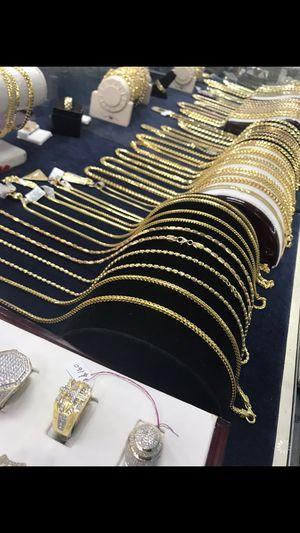 Gold chain for Sale in Poinciana, FL