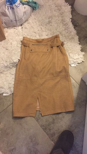 Authethicn Ostrich Leather Skirt size 8 for Sale in Tampa, FL