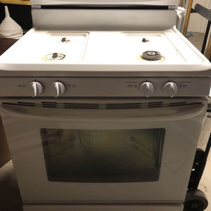 Stove, Microwave, Dishwasher for Sale in Bakersfield, CA