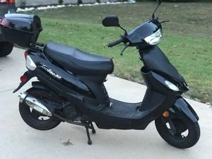 Tao Tao Scooter 49cc for Sale in St. Louis, MO