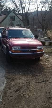 2000 CHEVY BLAZER LT 4X4 for Sale in West Springfield, MA