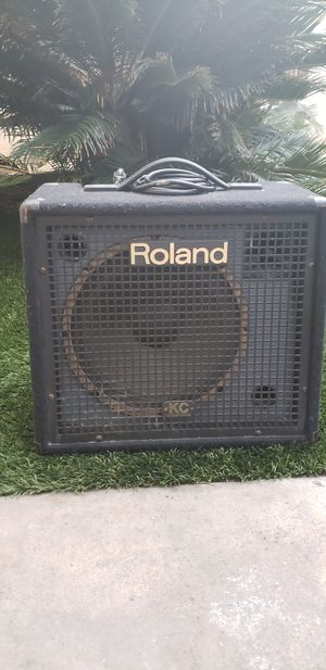 ROLAND KC-150 KEYBOARD / vocal / amp for Sale in San Diego, CA