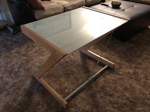 Desk for Sale in Clovis, CA