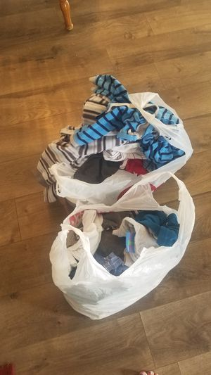 6 months to 1 year boy clothes and 2 boxes of size 2 diapers for Sale in Layton, UT