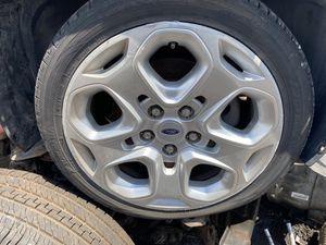 Ford Fusion rim and tire 2011 for Sale in Miami Gardens, FL