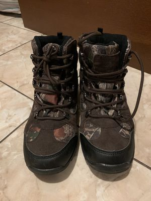 Boys 3M Thinsulate Snow Boots size youth 6 for Sale in Los Angeles, CA