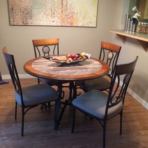Dining Table Set for Sale in Lynnwood, WA