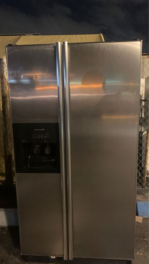 Refrigerator stainless steel work perfec for Sale in West Palm Beach, FL
