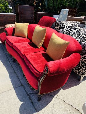 Antique sofa freshly upholstery very comfortable for Sale in Oakland, CA