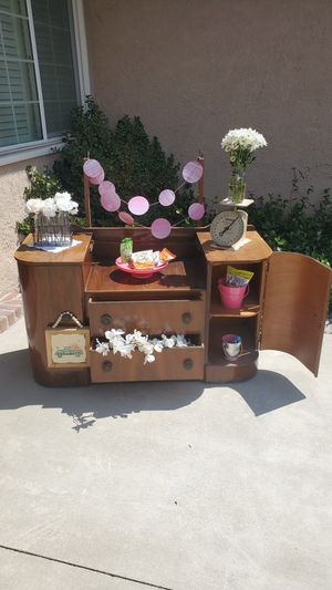 Antique vanity/dresser for Sale in Rancho Cucamonga, CA
