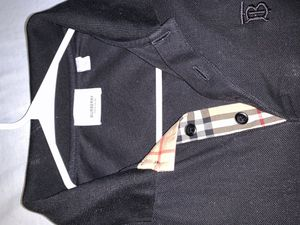 Burberry collar shirt for Sale in Hazelwood, MO