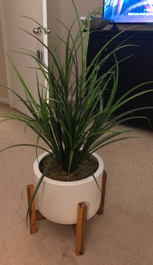 Potted faux plant for Sale in Palm Beach Gardens, FL