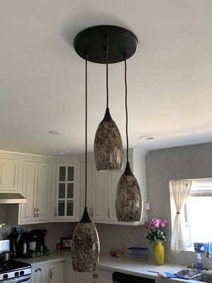 Hanging kitchen island light for Sale in Hacienda Heights, CA