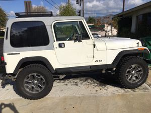 Jeep Wrangler 4x4 six cylinder ‏ clean title ‏ lifted for Sale in Covina, CA