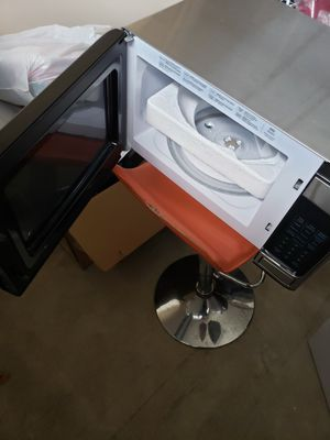 GE microwave for Sale in Clarksville, TN