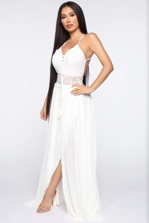 In The Middle Of Romance Maxi Dress - White for Sale in Santa Rosa, TX