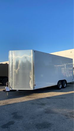8.5x22x8 ENCLOSED TRAILER for Sale in Los Angeles,  CA
