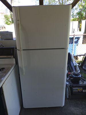 Kenmoore fridge for Sale in Gary, IN