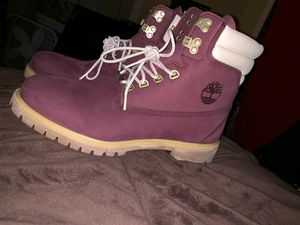 Timberlands boots size 11 maroon for Sale in Woodbridge, VA