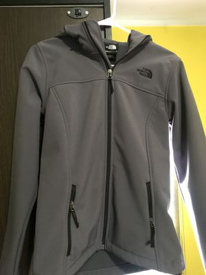 Women's north face jacket s/m for Sale in Rockville, MD