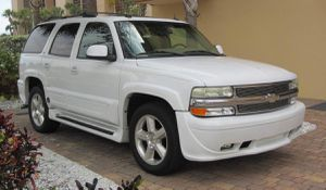 $1000 Vehicle Runs Well 2003 Chevrolet Tahoe Automatic , stability for Sale in Detroit, MI