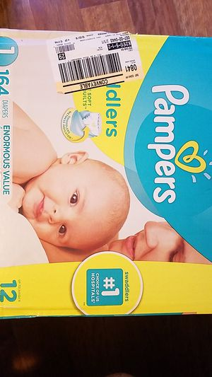 Pampers diapers for Sale in Chicago, IL