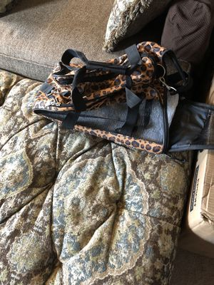 BEAUTIFUL LEOPARD PRINT SOFT SIDE SMALL PET CARRIER for Sale in Pittsburgh, PA
