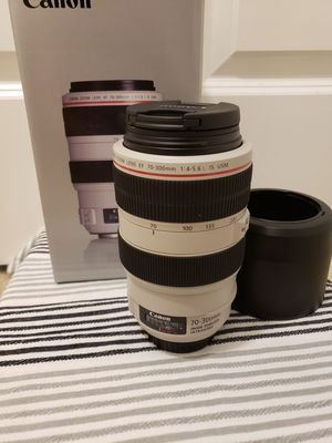 Canon EF 70-300mm f/4-5.6L IS USM for Sale in Lynnwood, WA