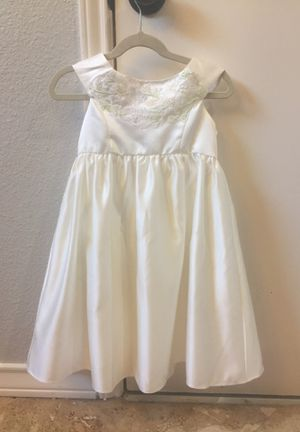 David's Bridal Flower Girl Dress Size 6 for Sale in Austin, TX