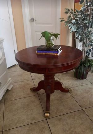"Round wooden table, entry table, end table, coffee table. Dimensions: 27 ""diameter x 23"" tall for Sale in San Diego, CA"