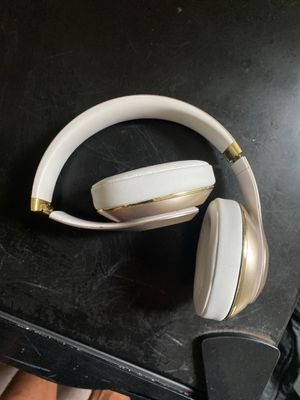 Beats headphones studio 3 over ear noise cancellation for Sale in Philadelphia, PA