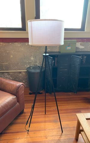 Tripod floor lamp for Sale in Wichita, KS