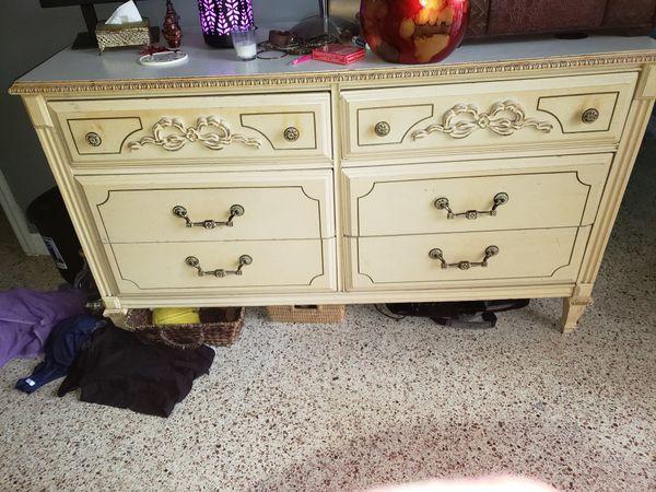Queen headboard and matching bedroom furniture