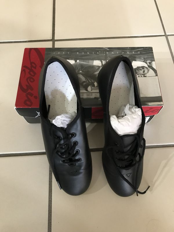 NEW CAPEZIO CG100 LEATHER HOOF MASTER TAP SHOE